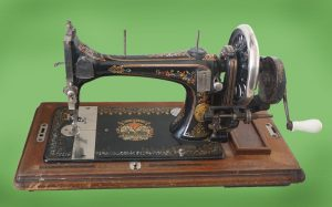 Швейная машинка - «белоручка»