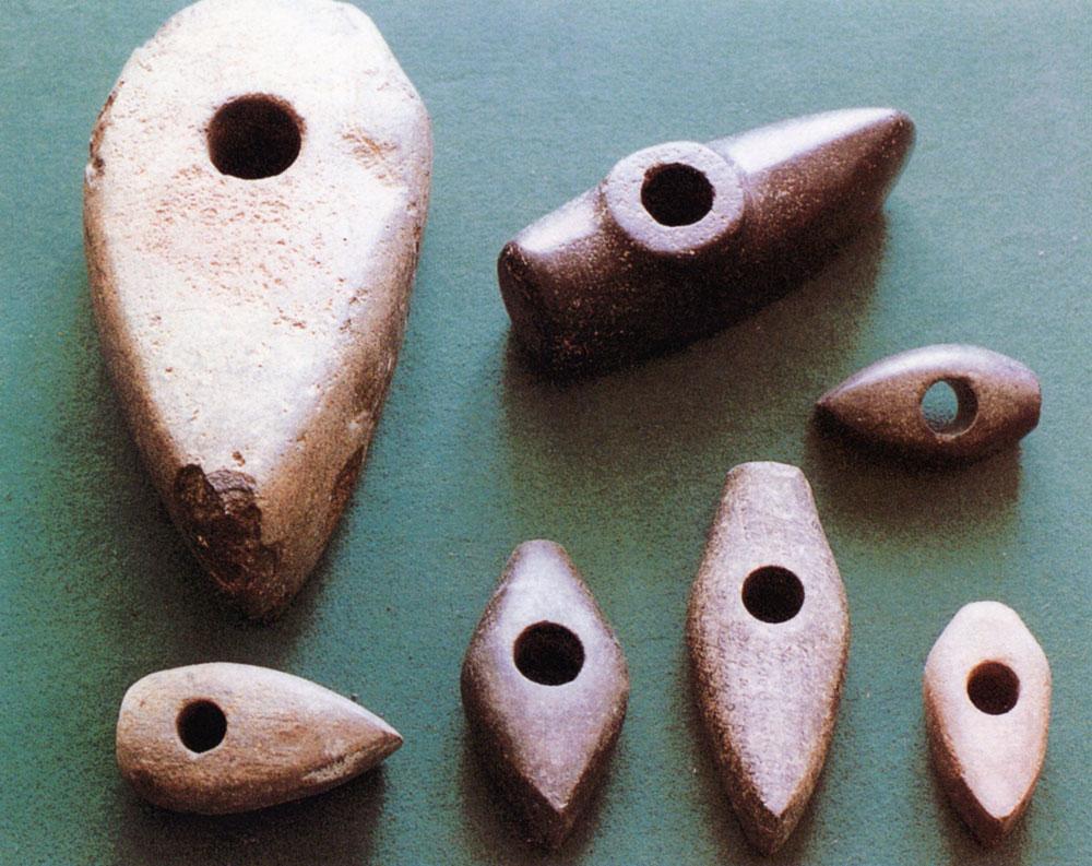 Каменные сверленые топоры-молоты